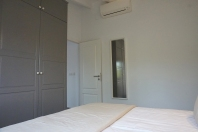 Clothes cabinet, air con
